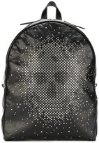 Alexander McQueen studded skull backpack - men - Calf Leather/Metal (Other) - One Size