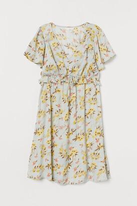 H&M MAMA Frill-trimmed dress