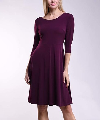 Lbisse Women's Casual Dresses Solid - Burgundy Scoop Neck Fit & Flare Dress - Women