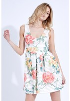 Select Fashion Fashion Printed Linear Skater Dress Dresses - size 6