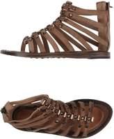Nylo Sandals