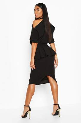 boohoo High Neck Cut Out Shoulder Peplum