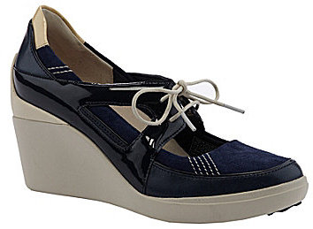 Tsubo Daylin Wedge Sneakers