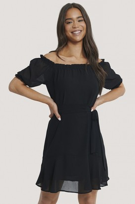 NA-KD Off Shoulder Tie Dress