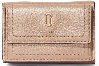 Marc Jacobs The Softshot Pearlized trifold wallet