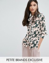 Alter Petite Pussybow Blouse In Floral Print
