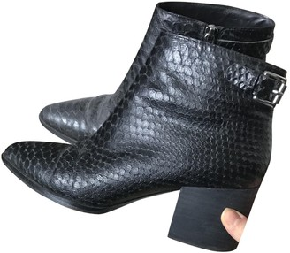 Michael Kors Black Leather Ankle boots