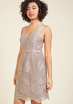 Essence of Efflorescence Lace Dress in 10