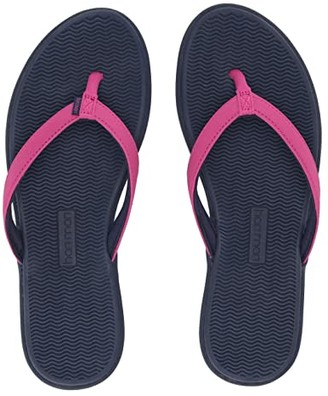 Hari mari Beachside (Berry/Navy) Women's Shoes
