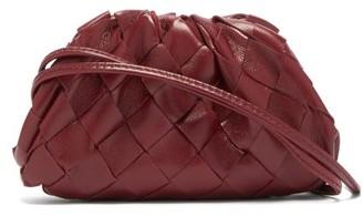 Bottega Veneta The Pouch Intrecciato Leather Purse - Womens - Burgundy