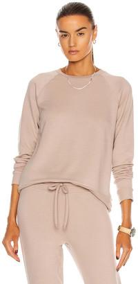 Beyond Yoga Favorite Raglan Crew Pullover Sweatshirt in Chai | FWRD