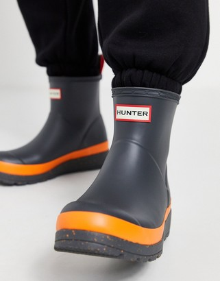 Hunter Play short wellington boots in black and orange speckle