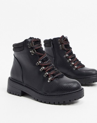 New Look lace up shearling hiker boots in black