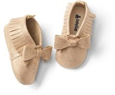 Gap Metallic fringe bow moccasins