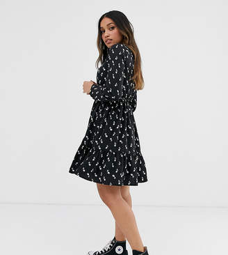 Yumi Petite long sleeve shirt dress in tulip print-Black