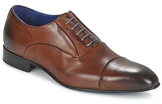 Carlington ESCOTT men's Smart / Formal Shoes in Brown