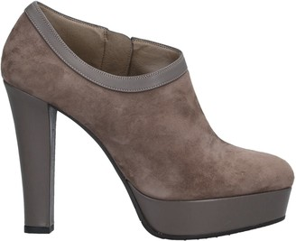 L'amour Booties