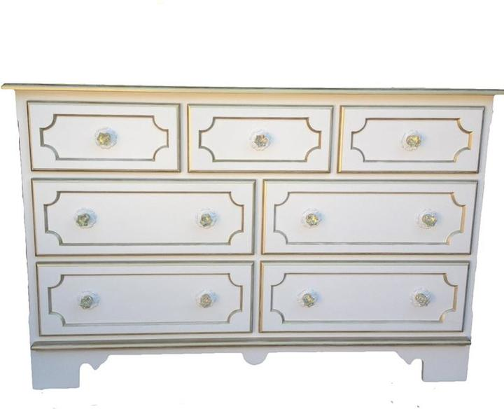 Petit Tresor Exclusive Danielle Changing Table