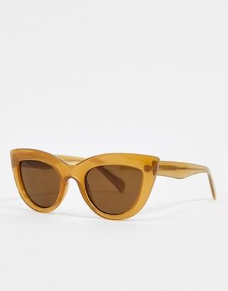 A.Kjaerbede cat eye sunglasses in beige