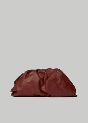 Bottega Veneta Women's Borsa Leather Clutch Bag in Rust/Gold