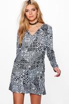 boohoo Riana Mono Print Long Sleeve Shift Dress black