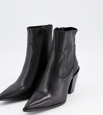Depp Wide Fit pointed western boots in black leather