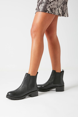 Urban Outfitters Zoe Chelsea Boot