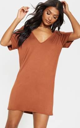 PrettyLittleThing Tan Basic V Neck T Shirt Dress