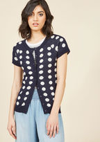 MDS1015 Onlookers will automatically know they can trust the style advice of the gal in the short-sleeved sweater! And, they're right, for your choice to sport this ModCloth-exclusive cardigan's navy blue hue, white intarsia dots, and darling scalloped neckline w