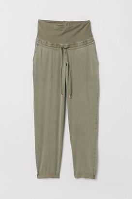 H&M MAMA Lyocell Pants - Green