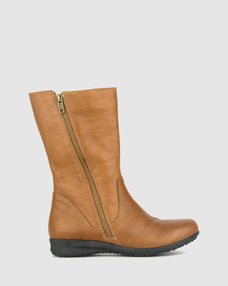 Airflex Women's Brown Flat Boots - Caddie Leather Calf Boots - Size One Size, 5 at The Iconic