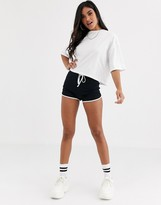 Asos Design DESIGN sporty runner short with contrast bind