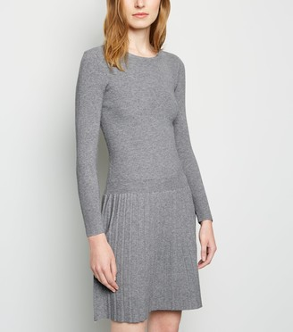New Look Cameo Rose Pleated Knit Dress