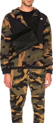 The North Face Denali Anorak in Burnt Olive Green Woods Camo Print | FWRD