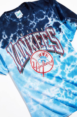 '47 47 UO Exclusive New York Yankees Pigment Dye Tee