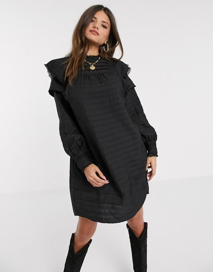 Vero Moda textured smock dress in black