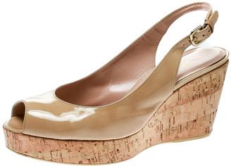 Stuart Weitzman Beige Patent Leather Jean Peep Toe Cork Wedge Slingback Sandals Size 41