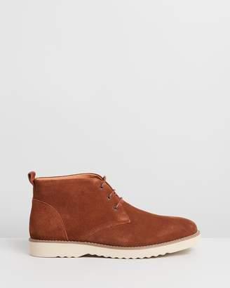 Double Oak Mills Maitland Suede Chukka Boots