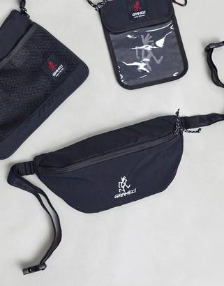 Gramicci logo body bag in black