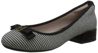 Farah Butterfly Twists Women's Closed Toe Ballet Flats