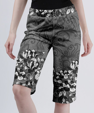 Lily Women's Casual Shorts GRY - Gray & White Floral Filigree Bermuda Shorts - Women & Plus