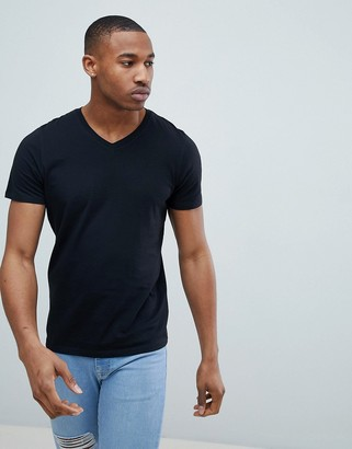 Jack and Jones Essentials slim fit v-neck t-shirt in black