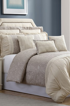 Queen Jardin Jacquard Comforter Set - Tan