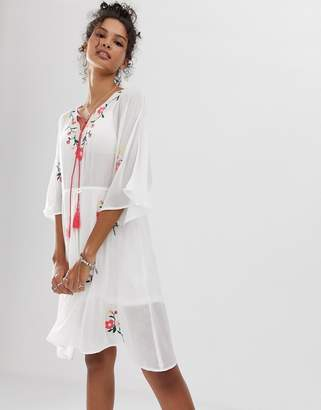 En Creme midi dress with floral embroidery-White