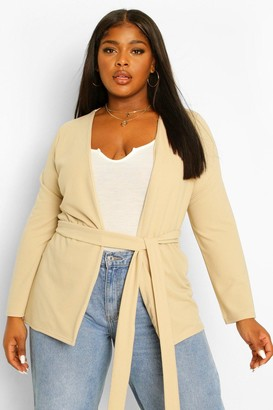 boohoo Plus Collarless Belted Blazer