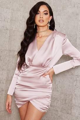 I SAW IT FIRST Blush Pink Shoulder Padded Plunge Satin Ruched Dress