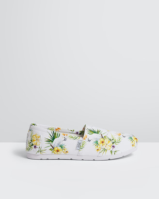 The Bondi Shoe Club - Women's White Espadrilles - The Coogee Cockatoos - Size One Size, 5 at The Iconic