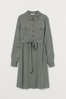 H&M MAMA Viscose Shirt Dress - Green