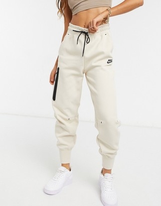 Nike tech fleece jogger in cream