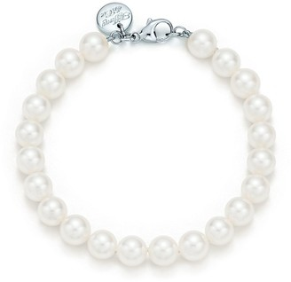 Tiffany & Co. Essential Pearls bracelet of Akoya pearls with an 18ct white gold clasp